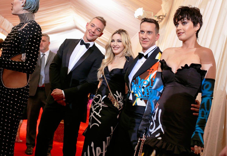 NEWS...Fashion....Stars... Vogue.com....