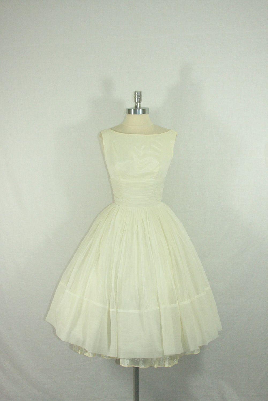 1950 wedding dress  us Vintage Wedding Dress  Wonderful White Nylon Chiffon Full