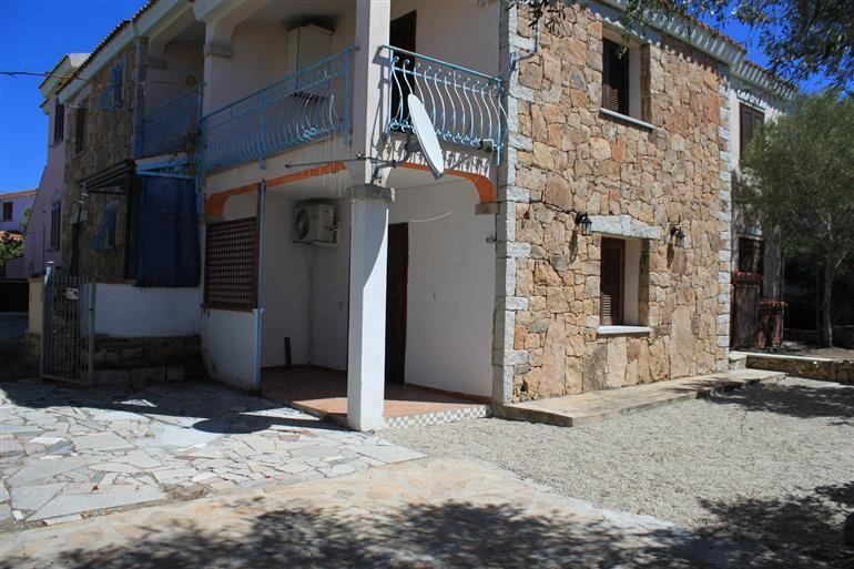 Agenzia orizzonte casa sardegna budoni trilocale piano terra con giardino a tanaunella per - Case piano terra con giardino ...
