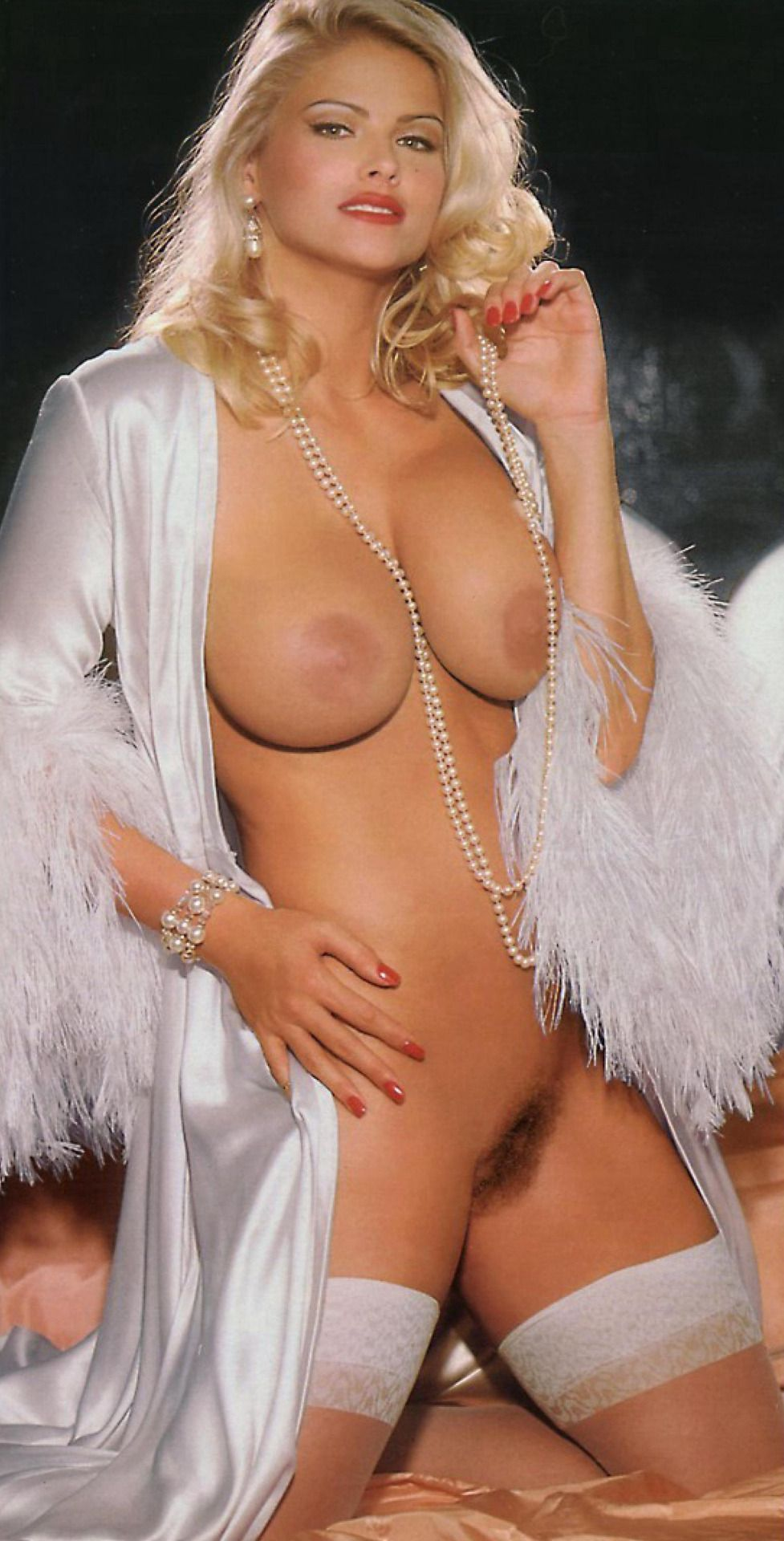 Nude pictures of anna nicole