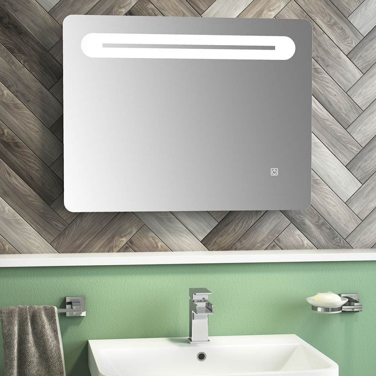 This brand new mirror from the Eliseo Ricci range is a