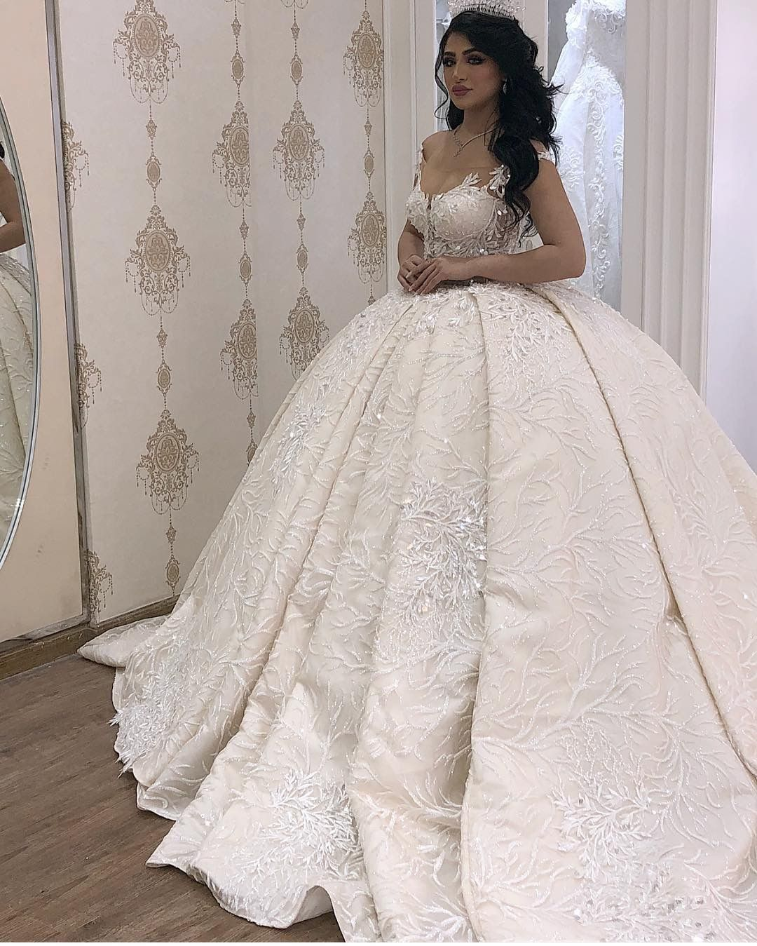 Pin By Aisha Alzaabi On Fashion Wedding Dresses Dream Wedding Dresses Big Wedding Dresses