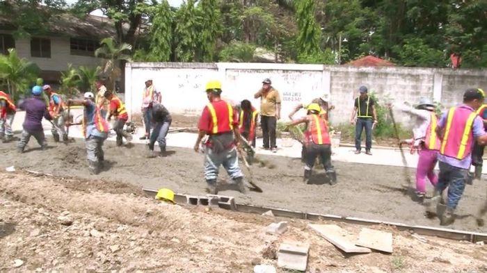 Construyen plaza de la juventud en La Lima