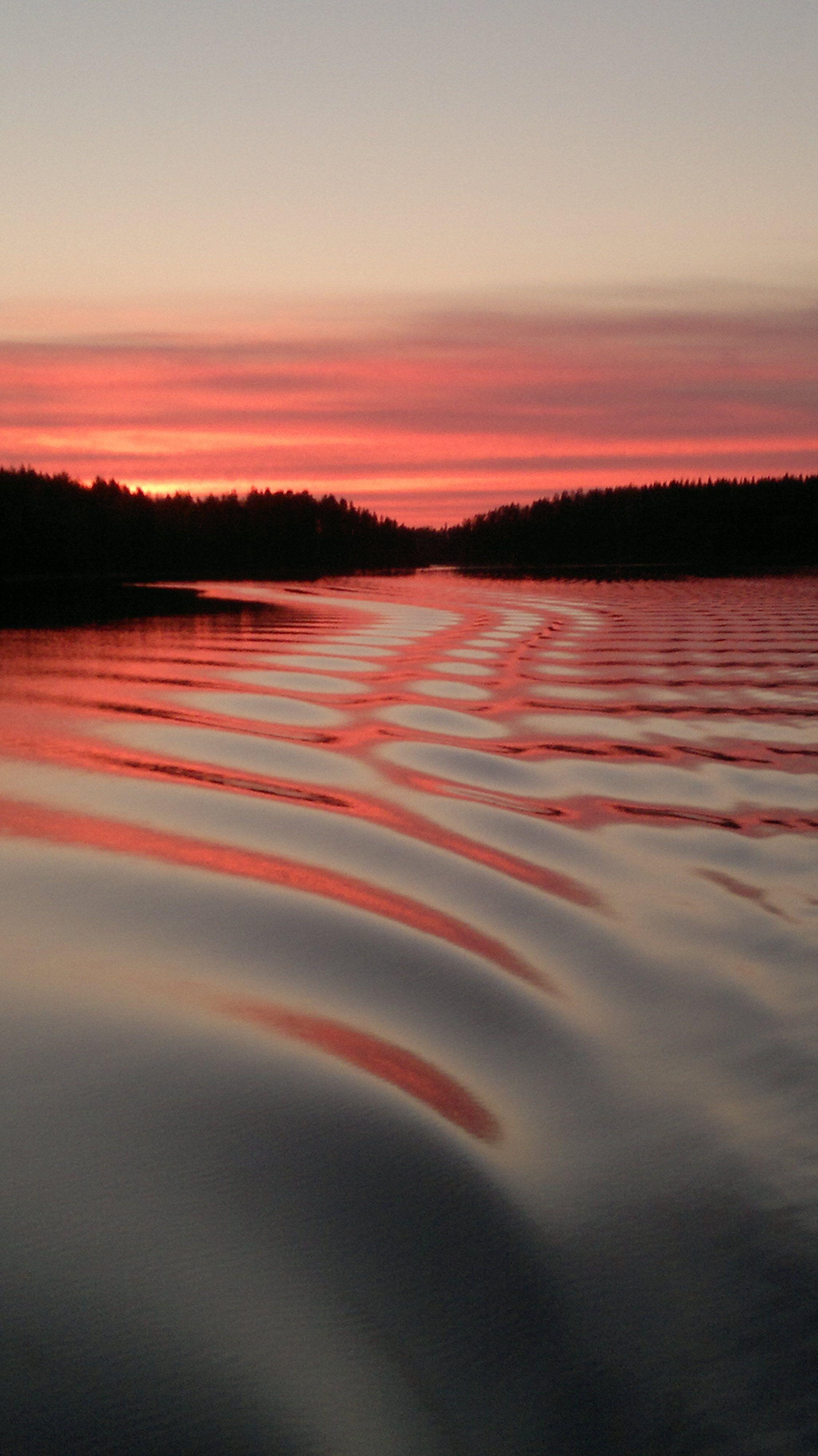 Saimaa kevät iltana veneestä