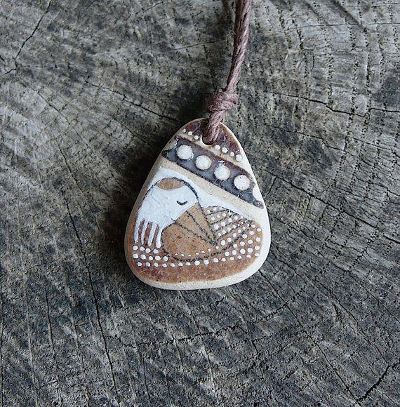 Guarigione Shard collana  uccello di ceramica marrone di LillaJizo, $44.00