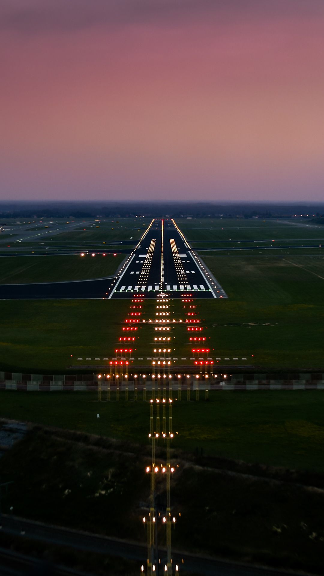 Runway Photo By Gc232 Airplane Wallpaper Airplane Photography