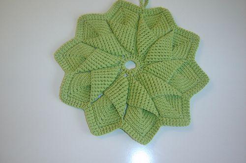 How to Crochet Wavy Pad using Wiggle Crochet - Naztazia ®   333x500