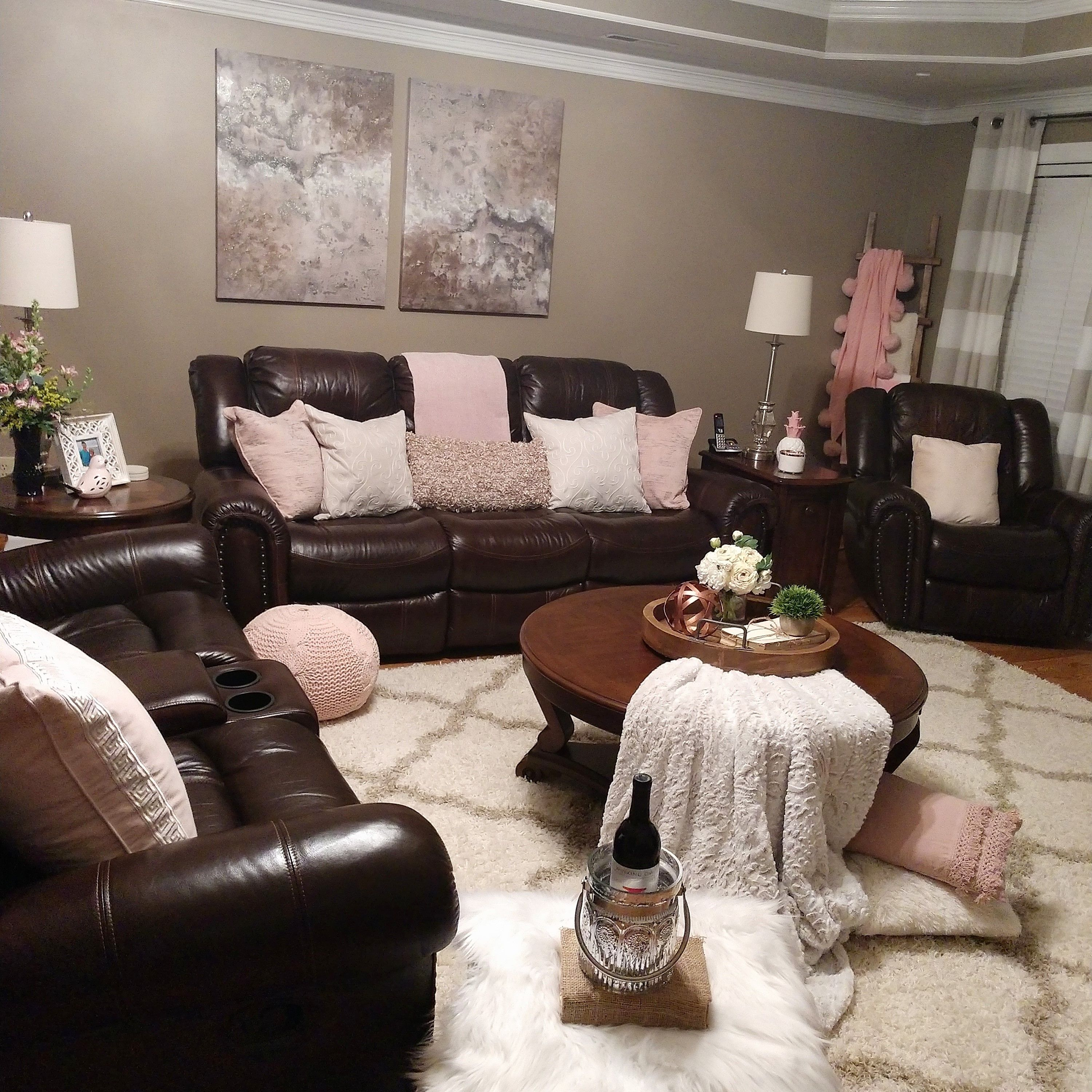 Neutral Living Room With A Pop Of Pink Brown Leather Furniture
