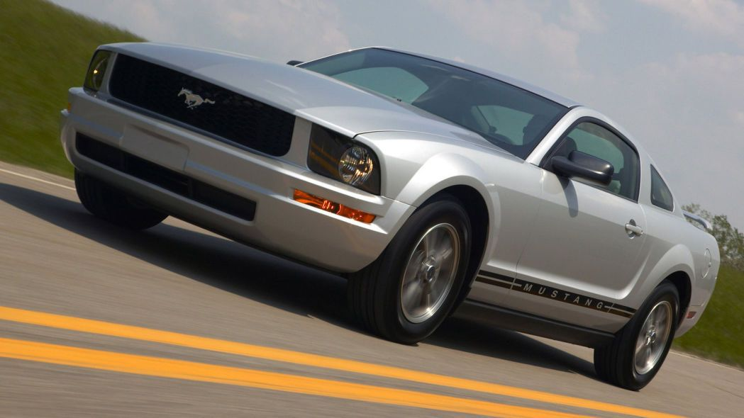 Best Used Sports Cars Under 15,000 2005 ford mustang