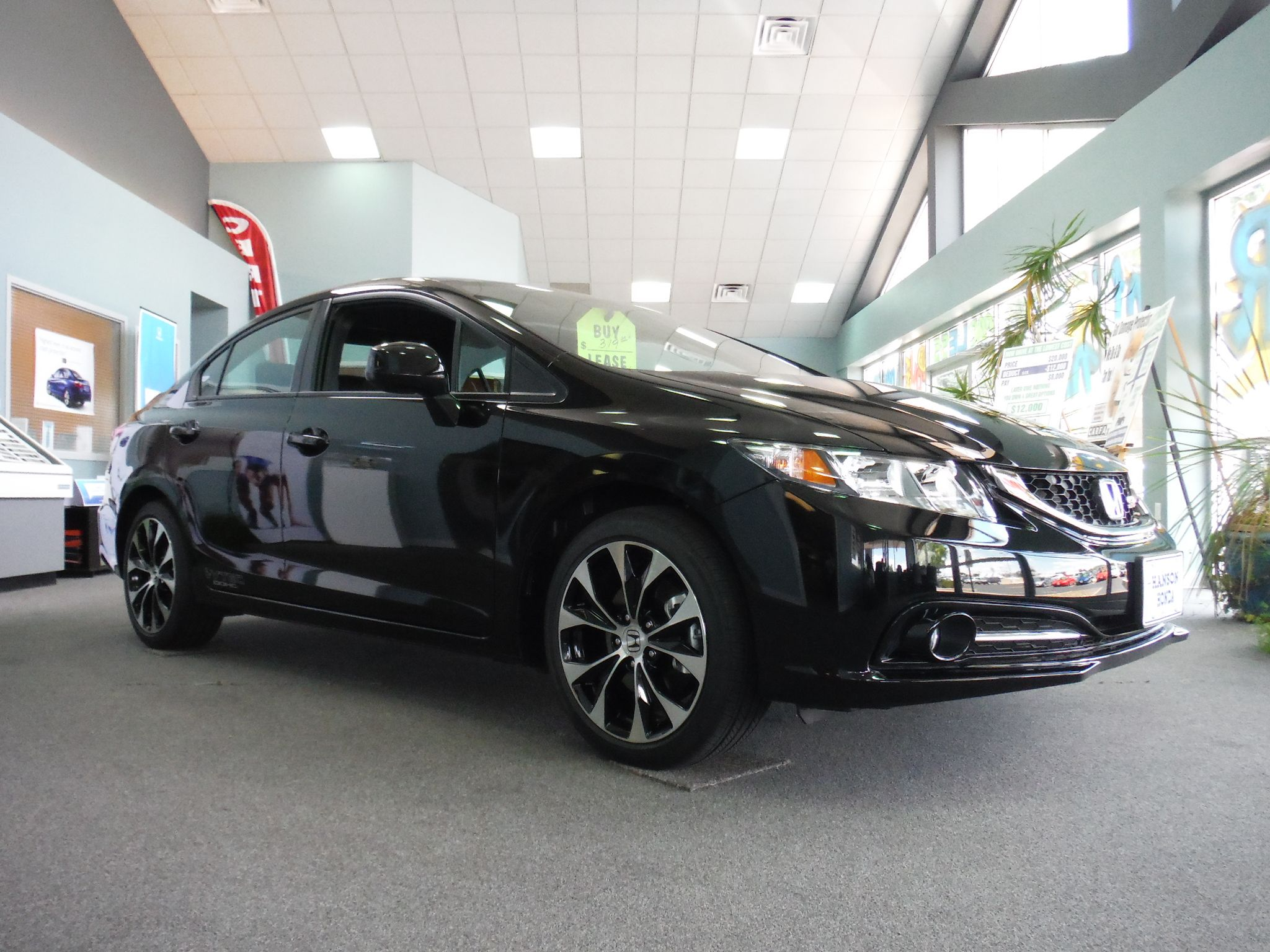 Incroyable 2013 HONDA CIVIC SI SEDAN W/ 201 HP (Crystal Black Pearl)
