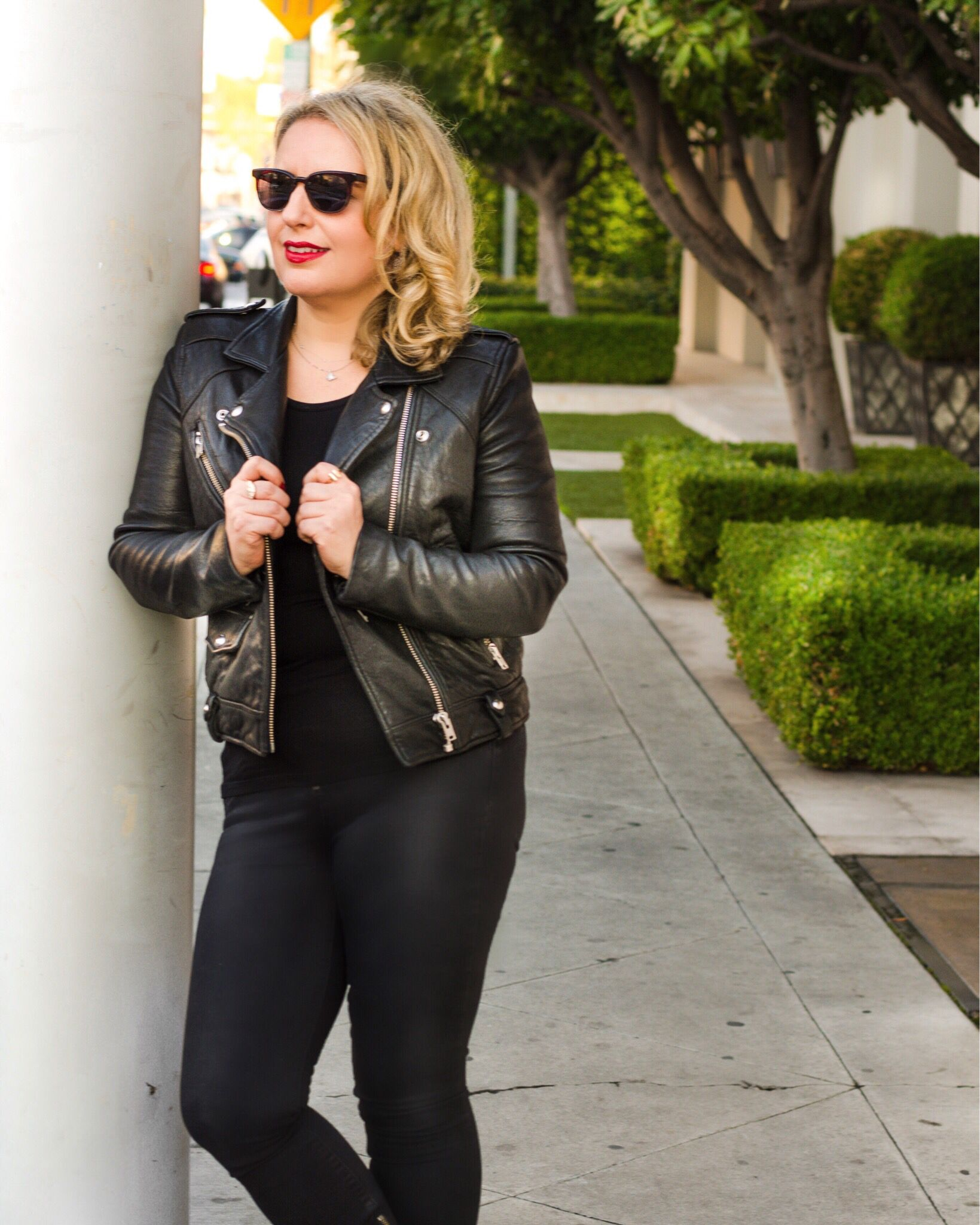 When A Leather Jacket Is A Must In Your Wardrobe Leather Jacket Fashion Blog Fashion Outfits