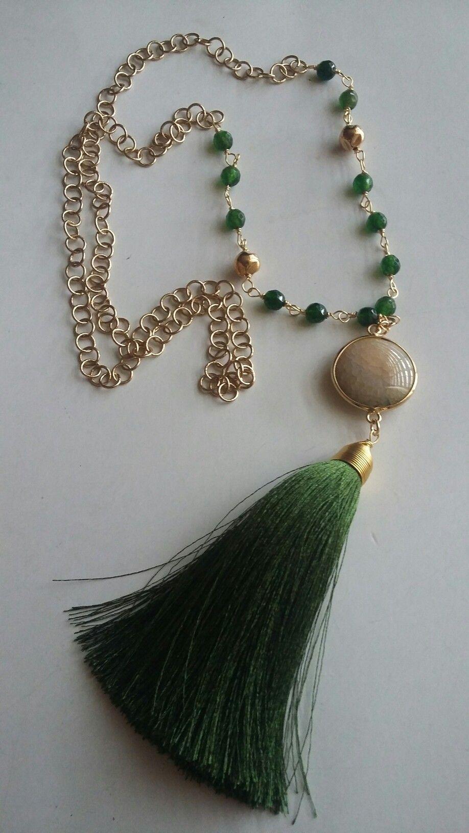 73e3ebe12f49 Collar de Creaciones Little Flower. Bisutería fina 100% artesanal ...