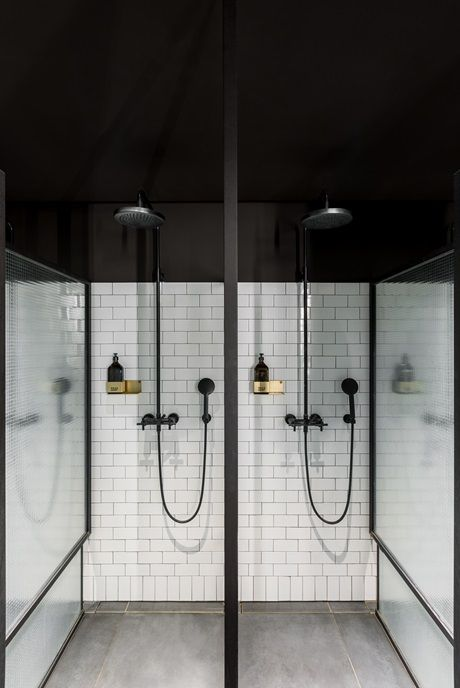 Dornbracht_in_Ceresio_Gym_Luxury_Spa_Vertical_Shower