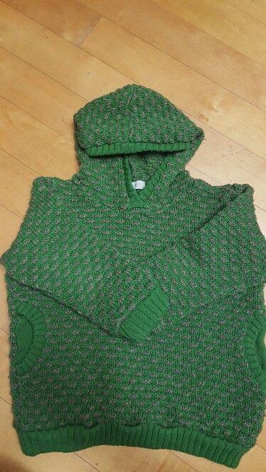 5살부터 7살까지 입음. 아크릴 스웨터. 두툼하고 따뜻.