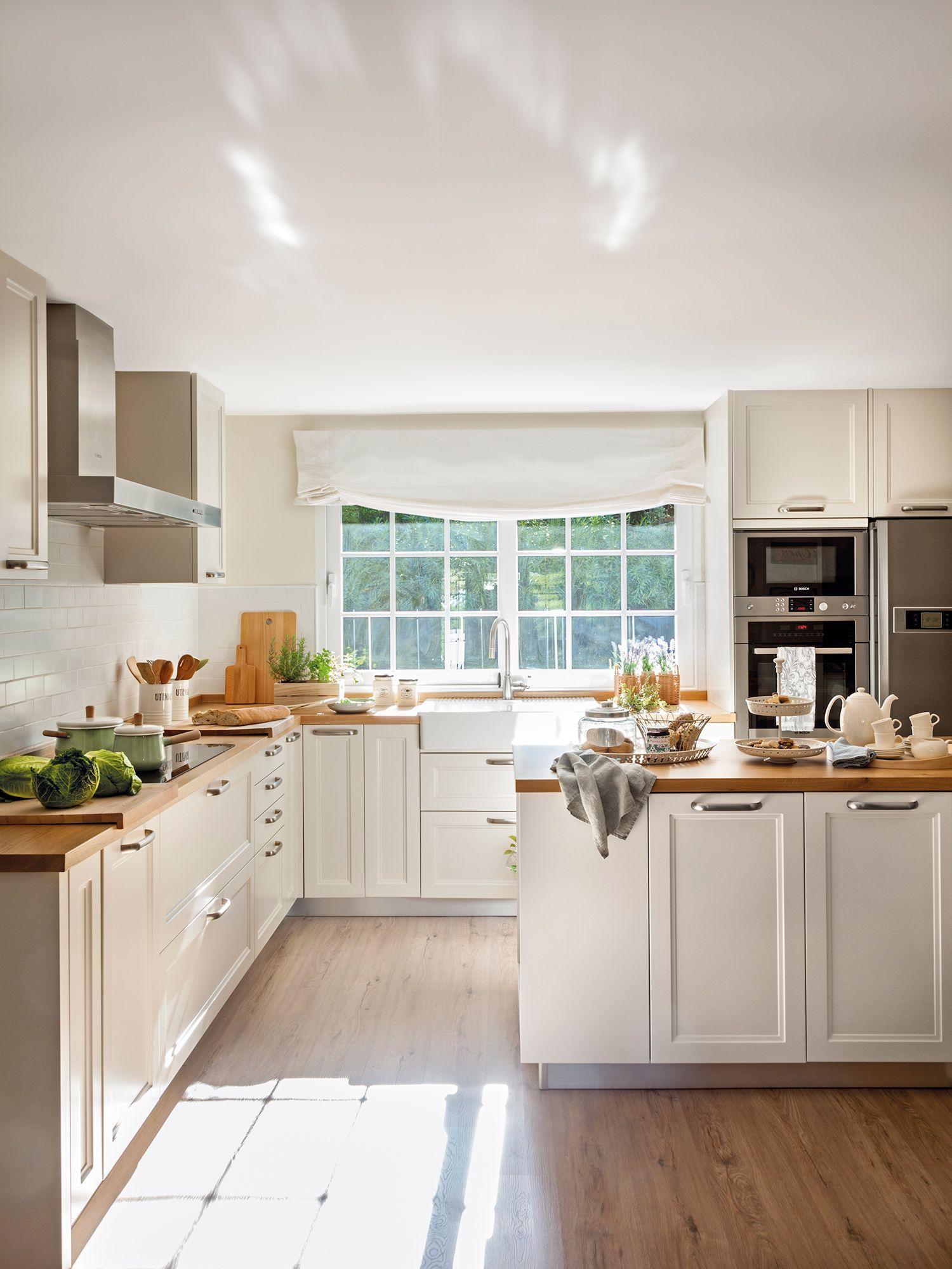 Cocina Blanca Con Isla Y Encimera De Madera 00446949 Diseno Muebles De Cocina Decoracion De Cocina Muebles De Cocina