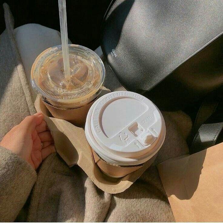 ᴄʀᴇᴅɪᴛᴏsᴀʟ ᴀᴜᴛᴏʀ Aesthetic coffee, Cream aesthetic