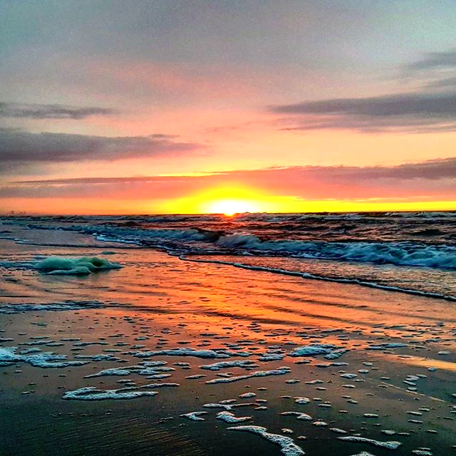 It S Myrtle Beach Time Photo Via Instagram By Mdcjr123 Click On The Pin When You Are Ready To Check Out Hotel Dealore