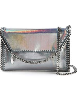 f7fd2f60475 Clutch modelo  Falabella  Stella Mccartney Purse, Stella Mccartney Falabella,  Metallic Clutches,