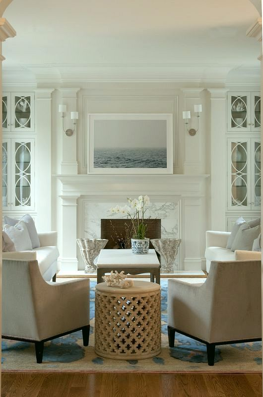 Living room -white Laurel Bern Interiors