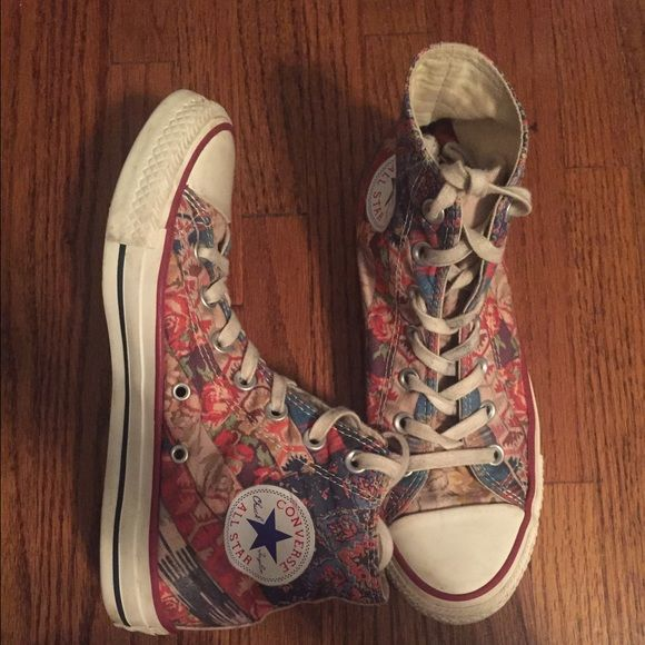 Size 7 patterned converse. Lightly worn. Cute multi colored pattern. Both shoes have a few scuff marks but nothing major. Converse Shoes Sneakers