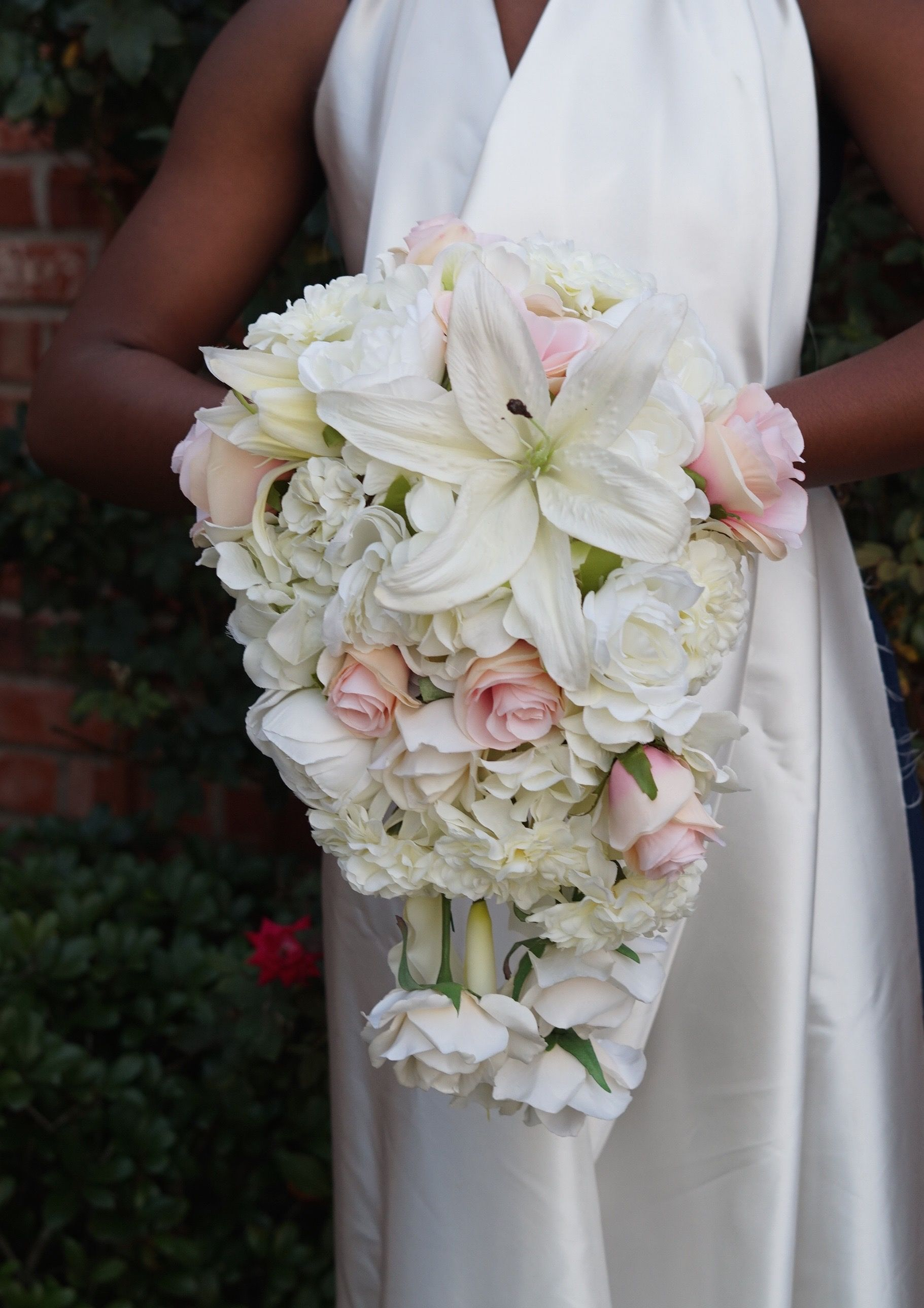 Simple to Make Beautiful DIY Cascading Wedding Bouquet in