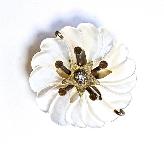 Vintage Star Jewelry Brooch Pin Mother of Pearl by silvermoonstars