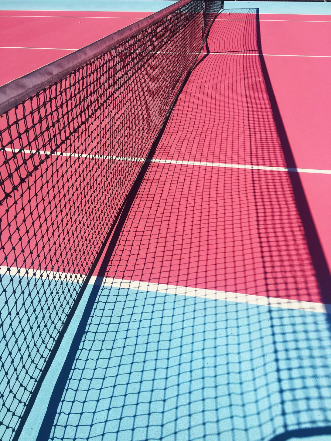 Madonna Inn S Pink And Blue Tennis Court Tennis Wallpaper Tennis Court Photoshoot Tennis Fashion