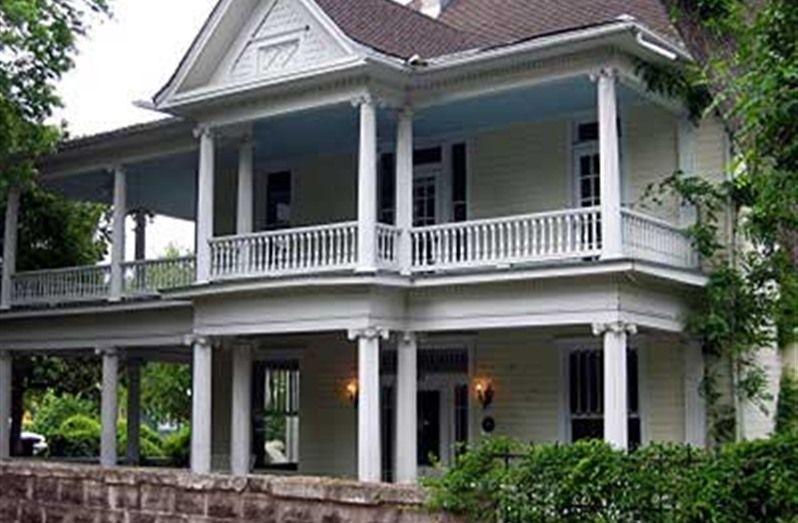 Star Of Texas Inn In Austin Texas B B Rental Bed And Breakfast Inn Bed And Breakfast Inn