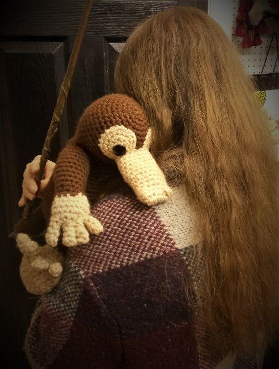 I made this crochet Niffler :) : harrypotter | 755x570