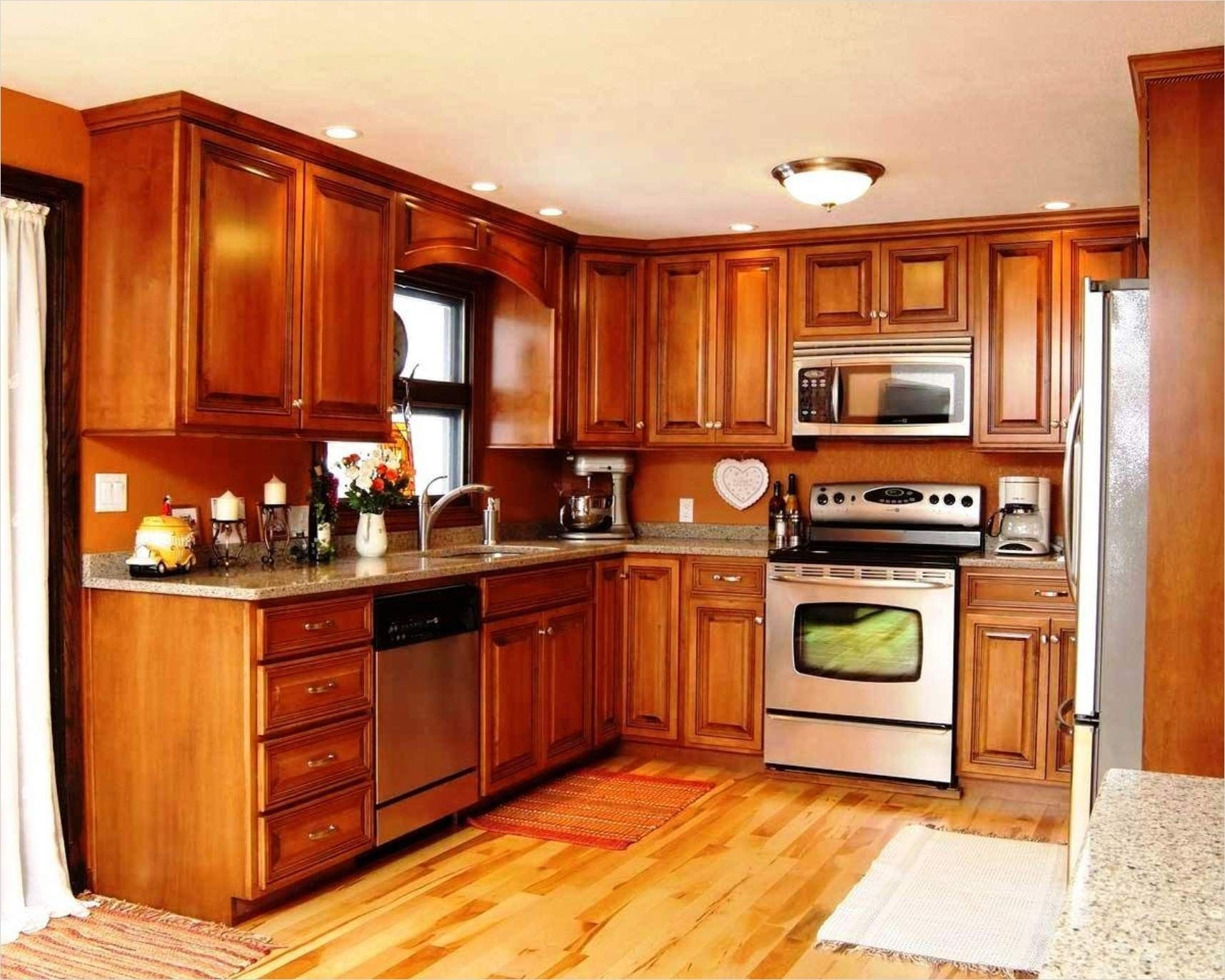 Kitchen With Maple Cabinets Color Ideas 25 In 2020 Kitchen Cabinets Kitchen Cabinet Color Schemes Maple Kitchen Cabinets