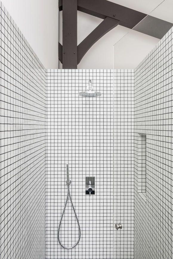 mosaïque blanche + joints noirs Timber Structures Pinterest - joint noir salle de bain