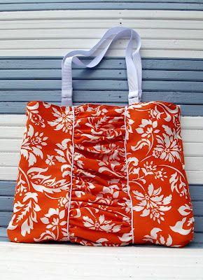 Manhã por produções Manhã: Acessórios e tais - Esta bolsa é totalmente forrado com quatro bolsos interiores.