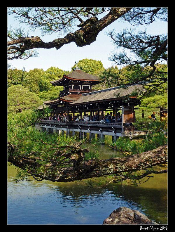 Heian Shrine Garden Bridge ~ Kyoto, Japan Beauty of Nature - chinesischer garten brucke
