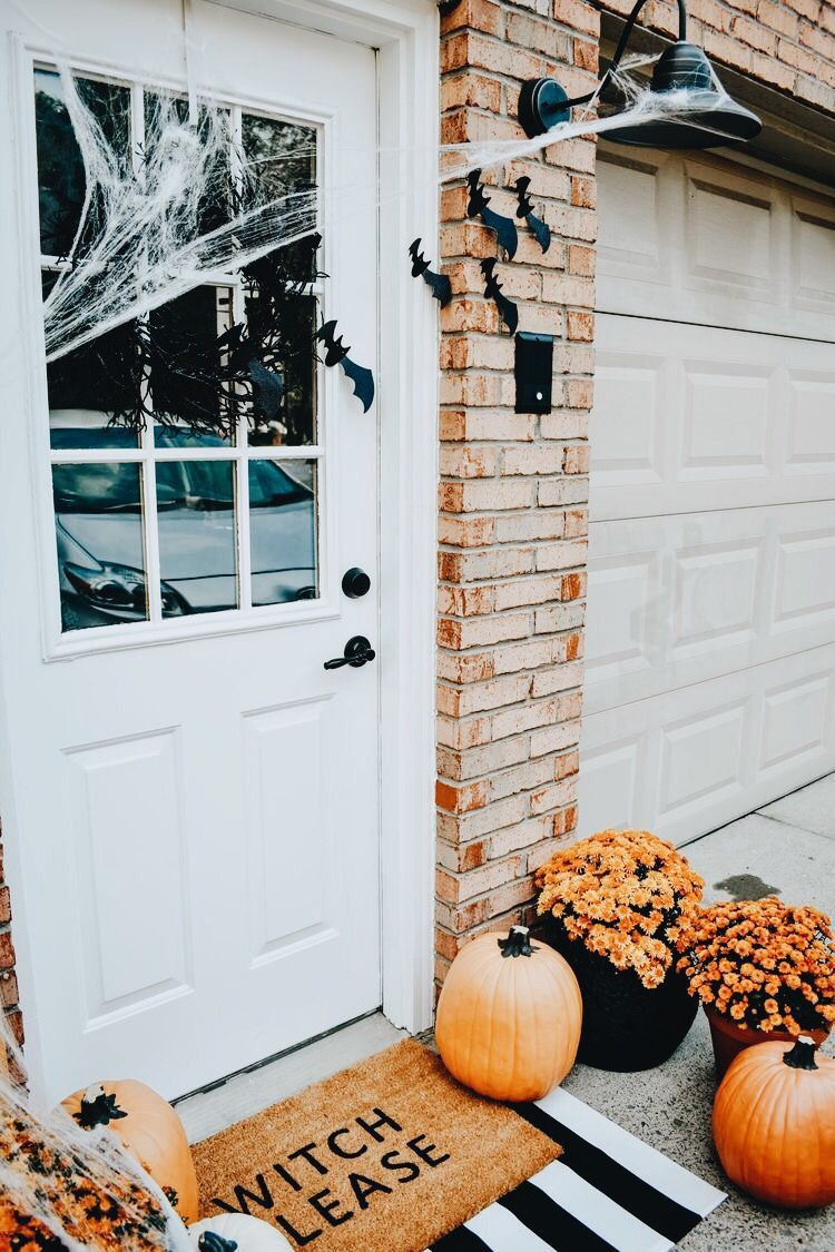 Pin By Sydney Mccarthy On Autumn Halloween Front Porch