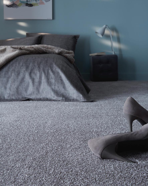 moquette velours pais sensation col gris nuage rouleau 4 m bedrooms lobbies and room. Black Bedroom Furniture Sets. Home Design Ideas
