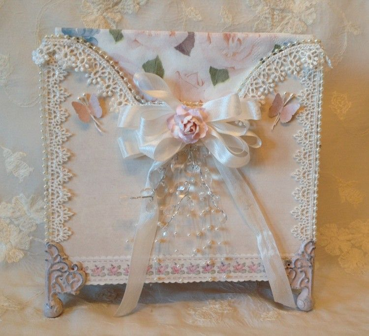 Beautiful napkin holder by talented Anne
