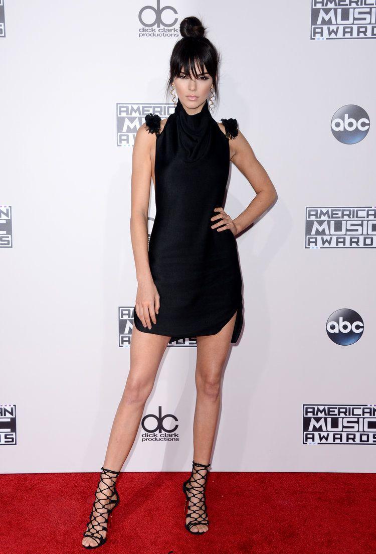 Les American Music Awards 2015 ont battu leur plein, hier à Los Angeles. De Kendall Jenner à Jennifer Lopez en passant par Selena Gomez, toutes les stars lookées y étaient, mais le bon goût n'a pas toujours été convié...