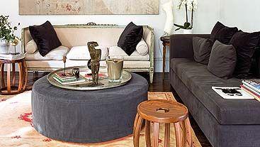 Mesa-puf, tapizada a juego con la chaise longue