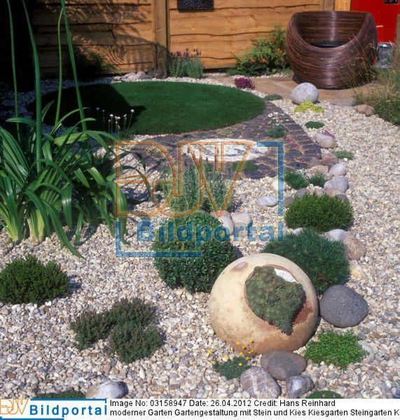 Moderner garten gartengestaltung mit stein und kies for Gartengestaltung wege anlegen