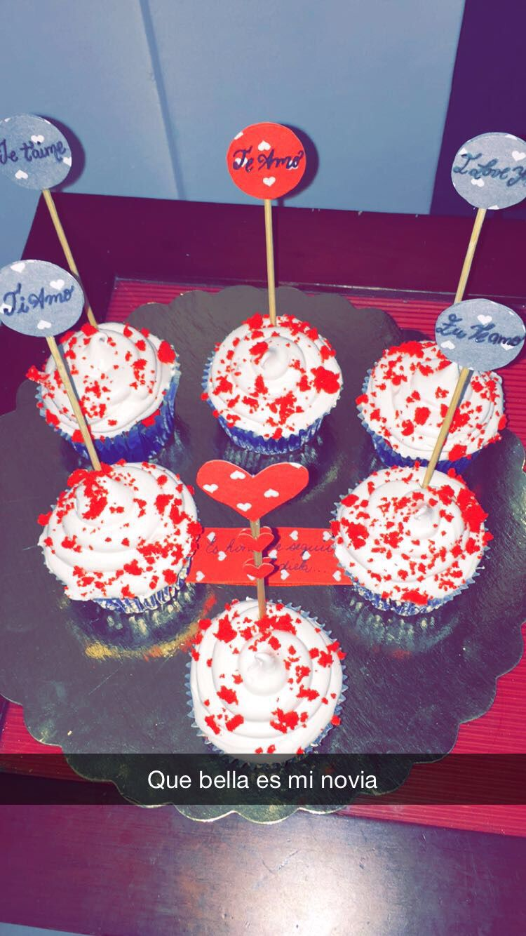 Red velvet cupcake 14-F