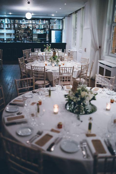 Simplicity Is Key Lynda Rob S Contemporary Dublin City Wedding