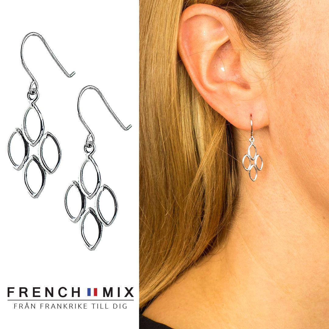 Matcha din personliga stil med dessa snygga örhängen i silver! Vi har  smycken för alla c6e8e58c59ea9