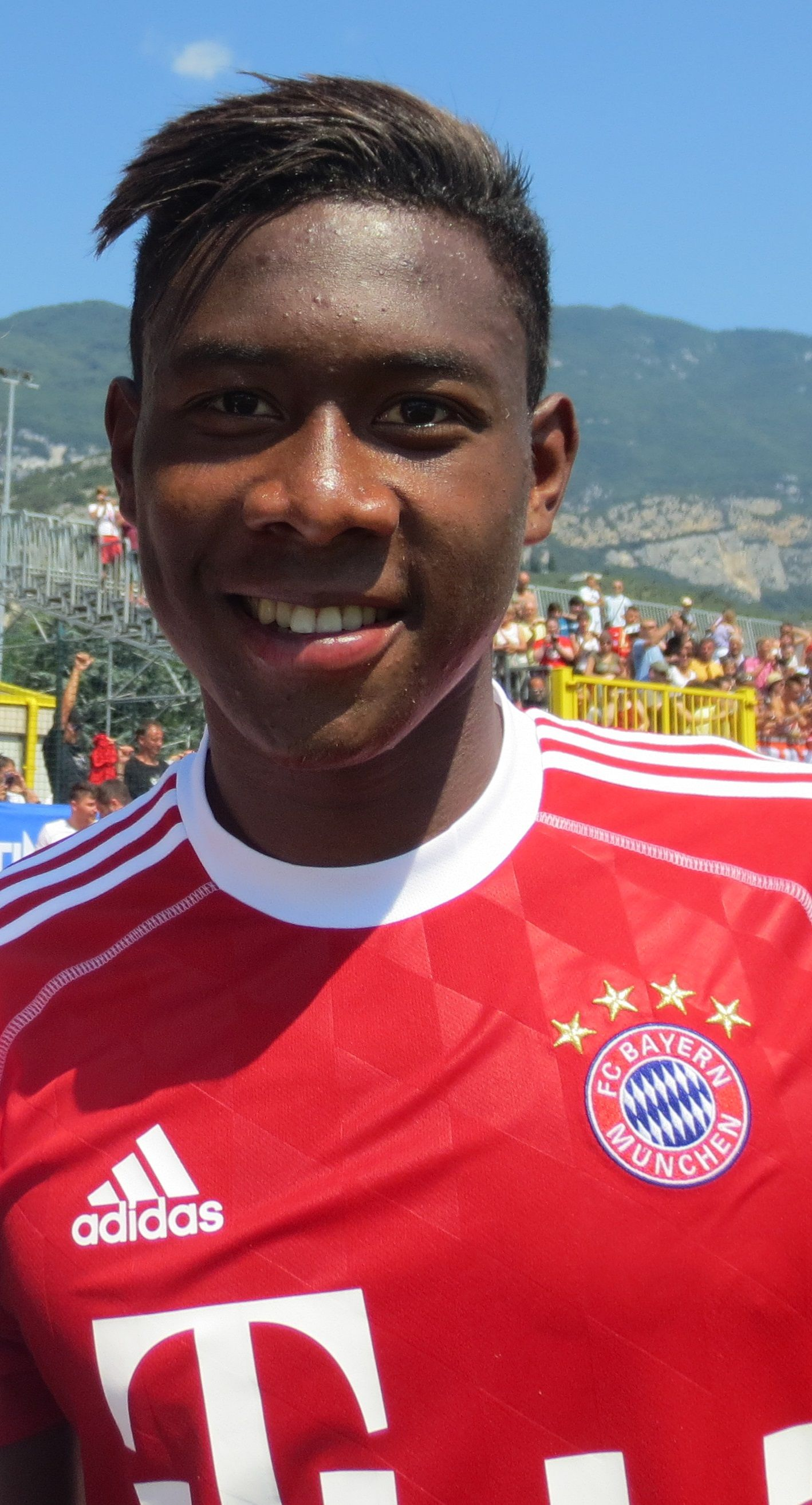 David Alaba Sidelined After Having A Ruptured Ligament And Meniscus