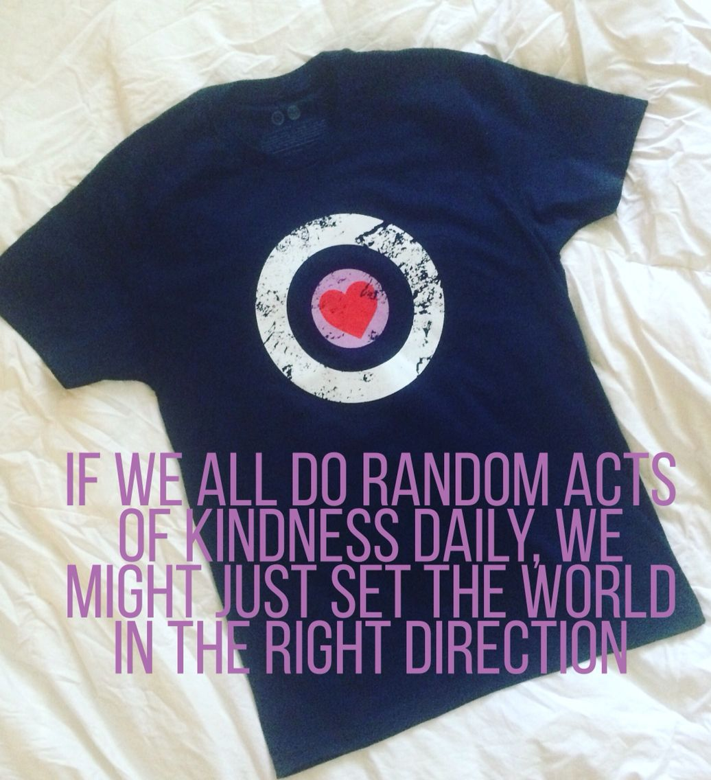 If we all do random acts of kindness daily, we might just set the world in the right direction. 💜❤️💙💛💚 #Omaze #RandomActFunding #PositiveVibes