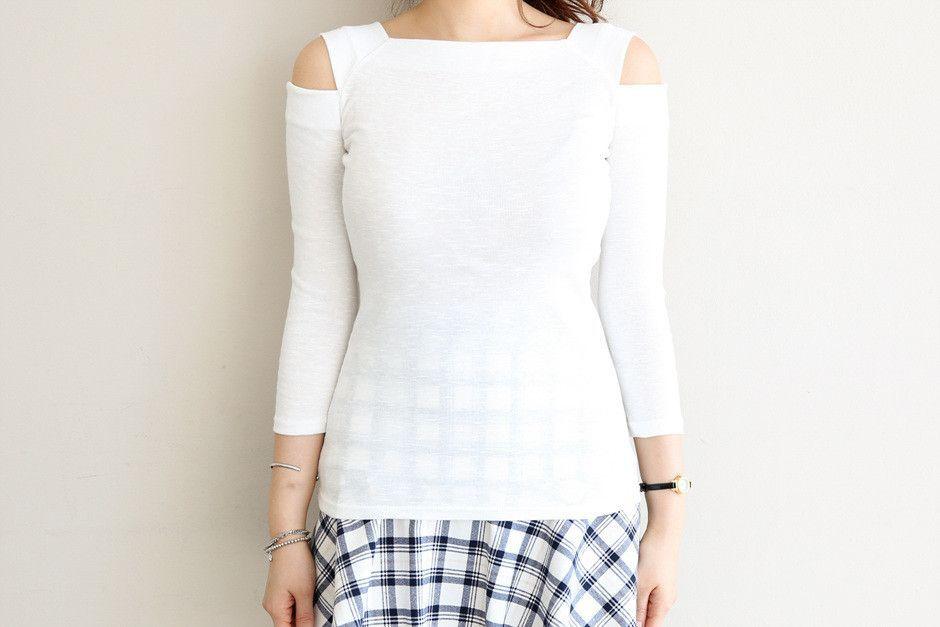 Slim Fit Off-shoulder T-shirt