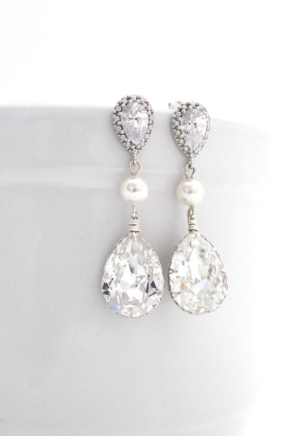 Pearl and Swarovski Crystal Bridal or Bridesmaid Earrings By Estylo Jewelry