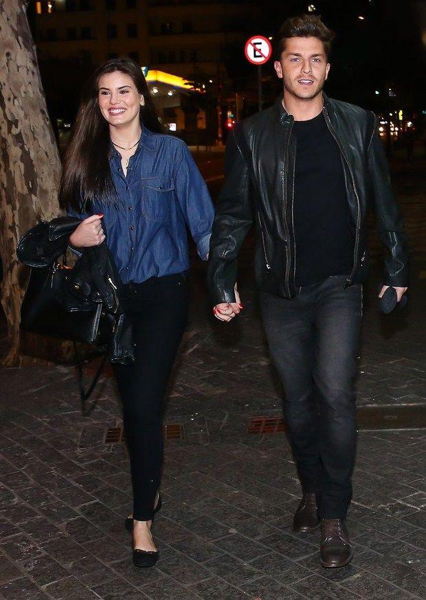Camila Queiroz - Atriz - actriz - modelo - fashion model - Brasil - brasileira - brasileño - Brazil - Brazilian - telenovela - novela - tv - cabelo - hair - pelo - bonito - beautiful - hermosa - longo - comprido - long - largo - inspiration - inspiração - inspiración - estilo - style - casal - couple - amor - love - namorado - amigo - boyfriend - Klebber Toledo