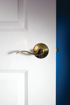 Schlage Accent Lever In Bright Brass Traditional