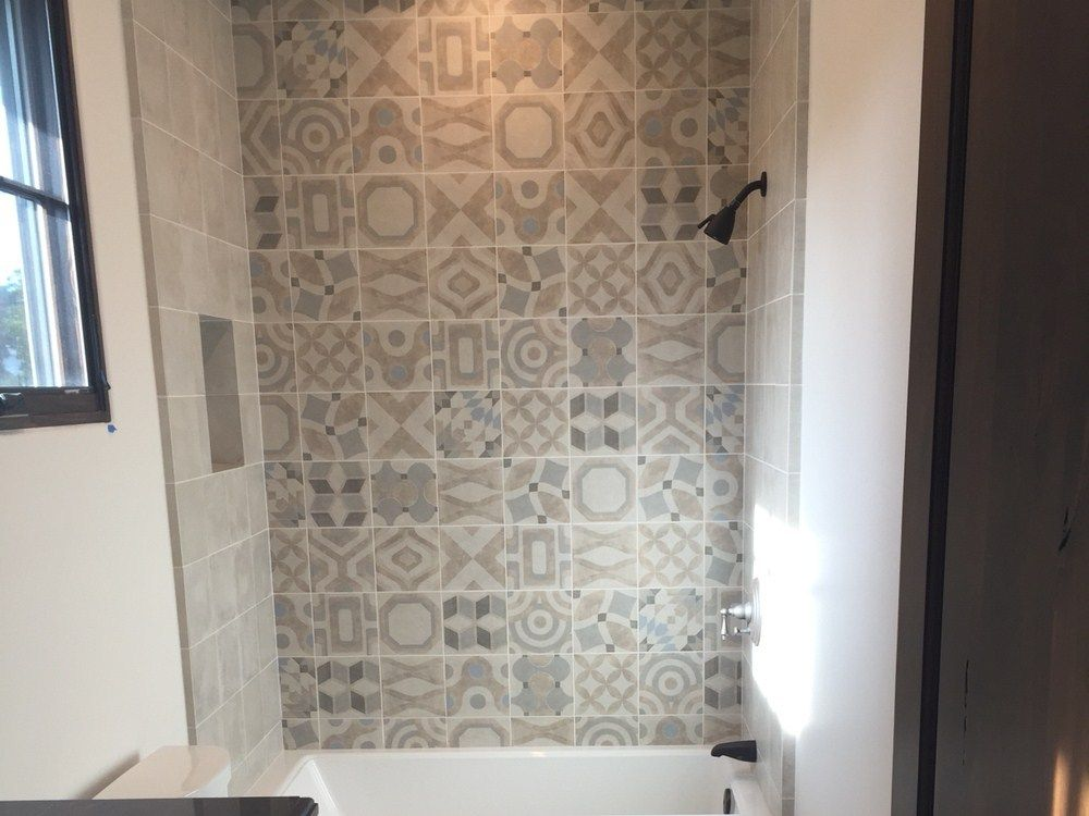 Carrelage Memory of Cerim patchwork carreaux de ciment gris Salle