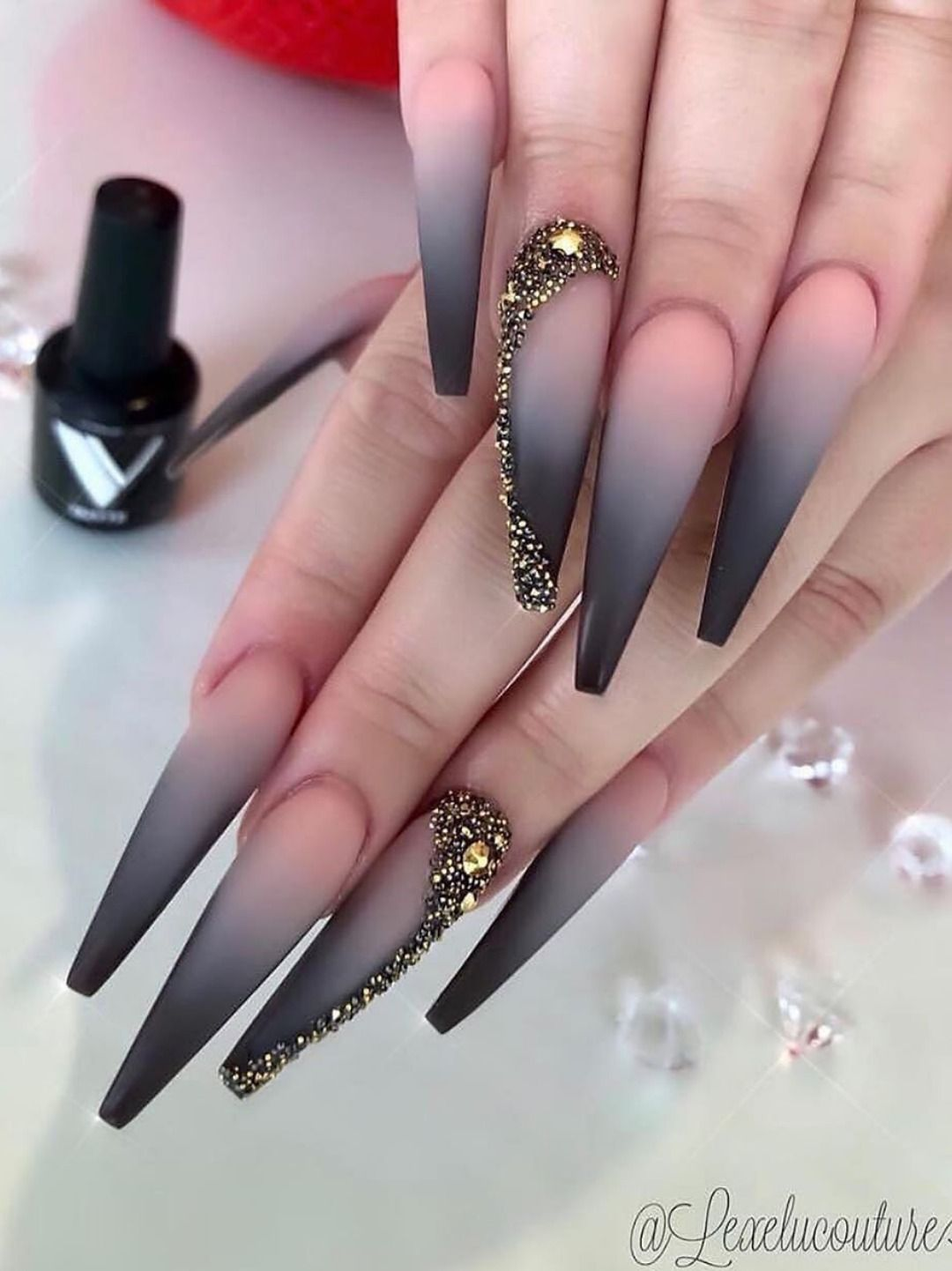Do You Have A Crush On Long Nails Then Enjoy The 40 Most Beautiful Long Nail Ideas We Have F In 2020 Long Acrylic Nails Coffin Long Acrylic Nails Black Acrylic Nails